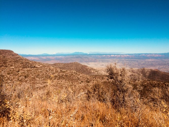 A view of Mogollon Rim and San Francisco Peaks from Mingus Mountain.